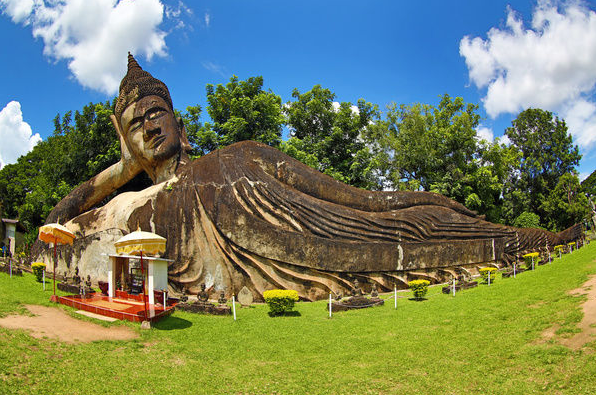 Statue of the Reclining Buddha